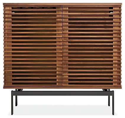 Coles 40w 16d 38h Two-Door Bar Cabinet