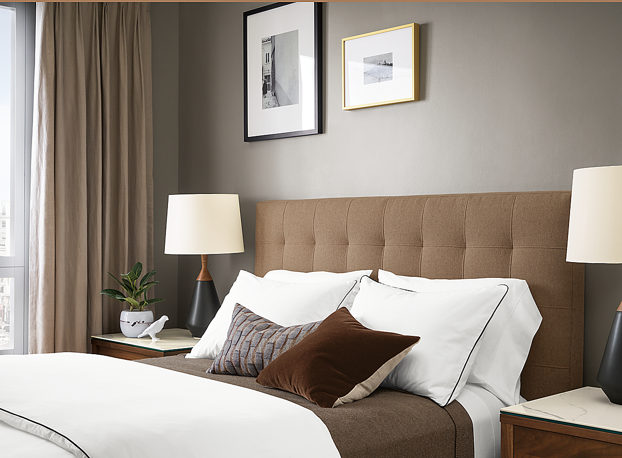Sommerville Bedding with Black Piping