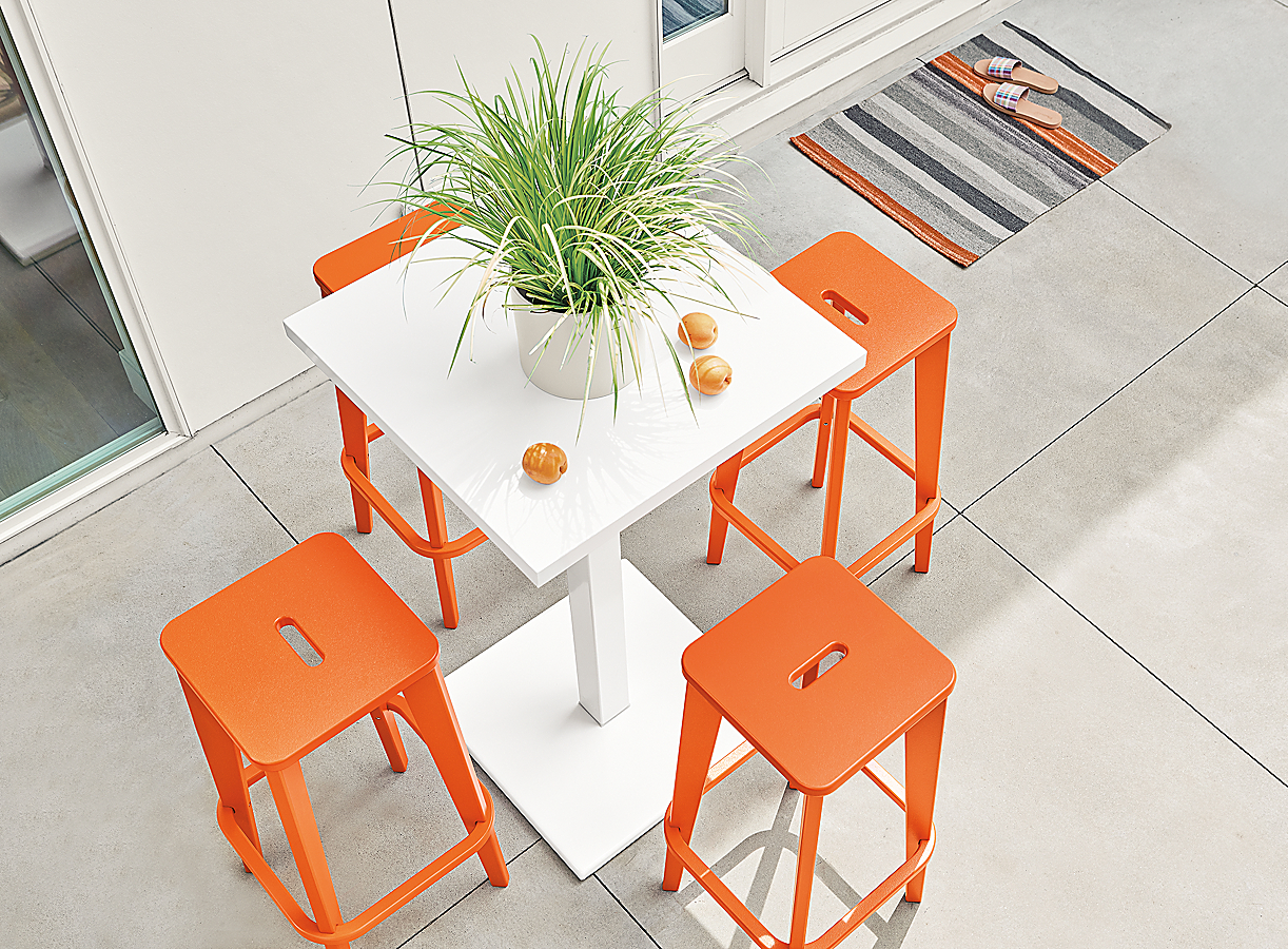 Brooks Counter Stools with Maris Table