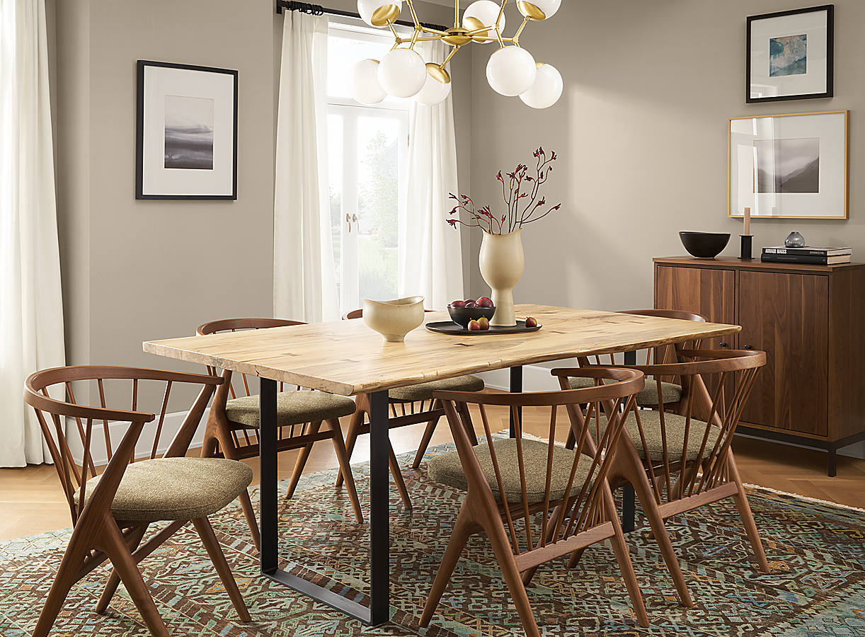 Chilton Table with Soren Chairs