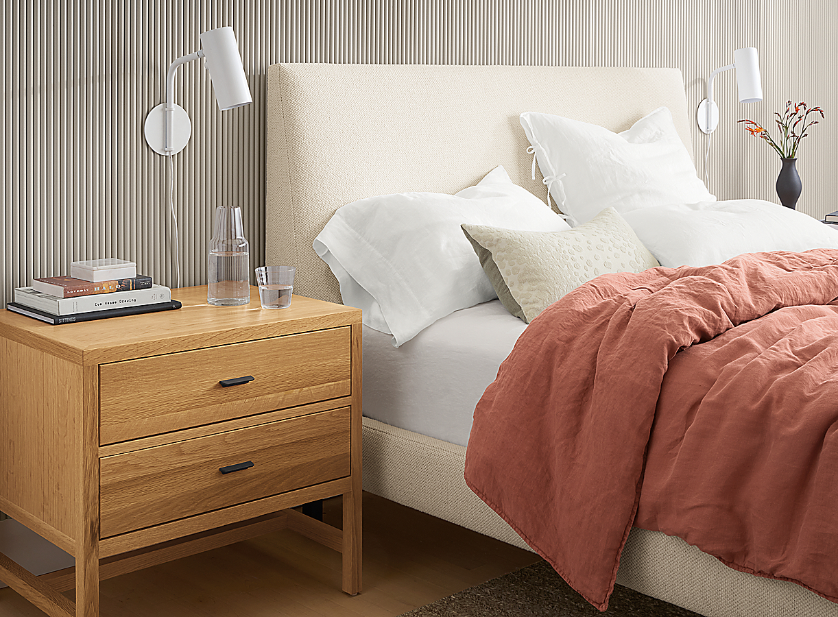 Ella Bed with Relaxed Linen Bedding