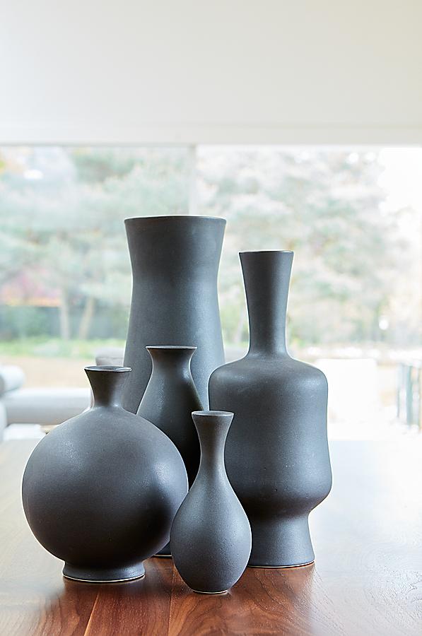 Sur & Eva Zeisel Vases in Carbon by KleinReid