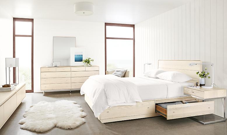 Hudson queen storage bed in sand stain