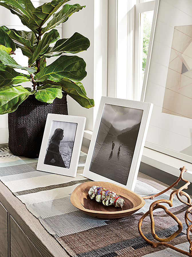 Ingo Frames in White