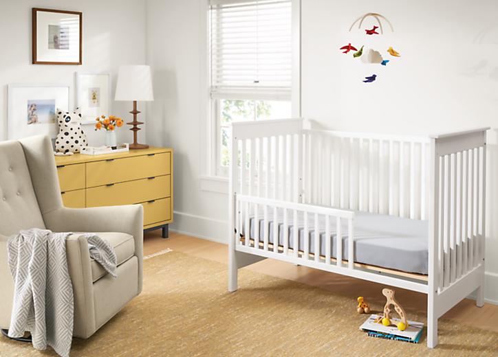 Detail of Nest crib in White in baby's room