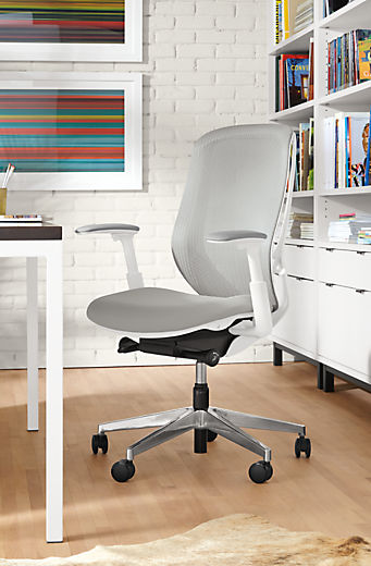 Office with Sylphy chair in white