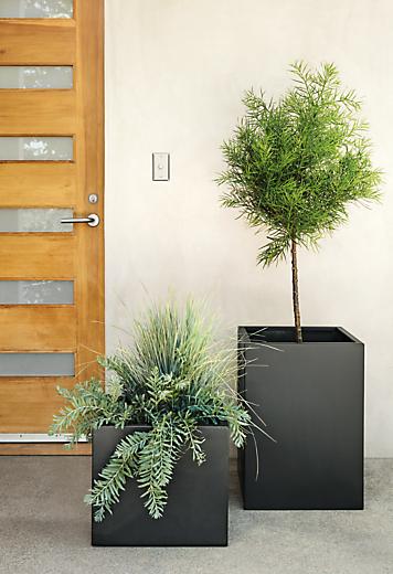 Detail of Terrace square planter